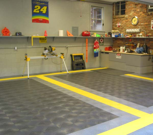 Diamondplate Interlocking Garage Floor Tiles